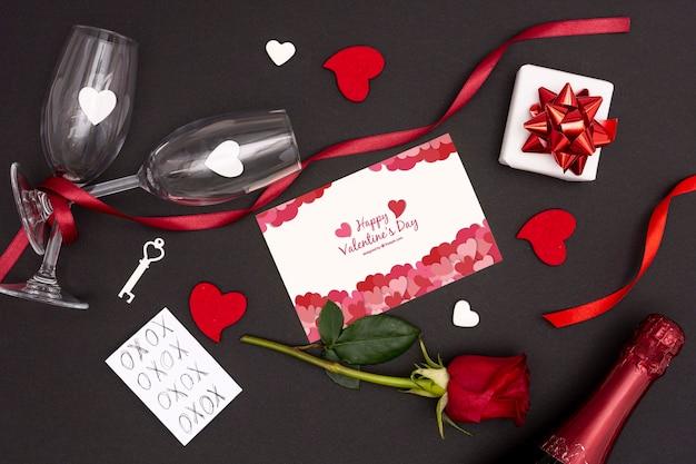Concept De Saint Valentin Avec Verre De Rose Et De Champagne Psd gratuit