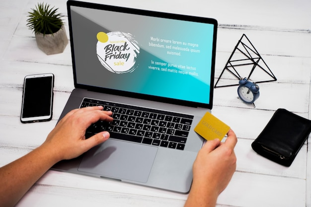 Concept de vendredi noir avec maquette d'ordinateur portable Psd gratuit