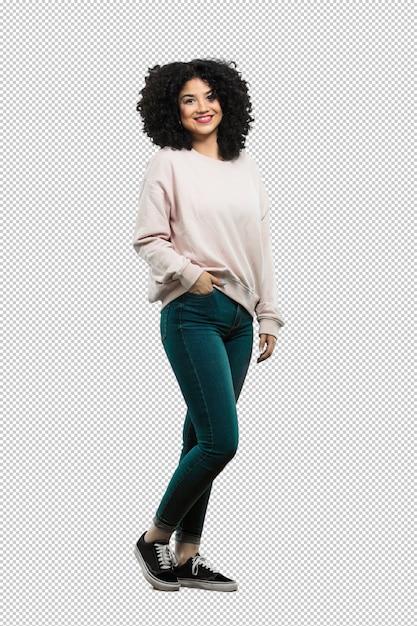 Corps complet jeune femme debout et heureux PSD Premium