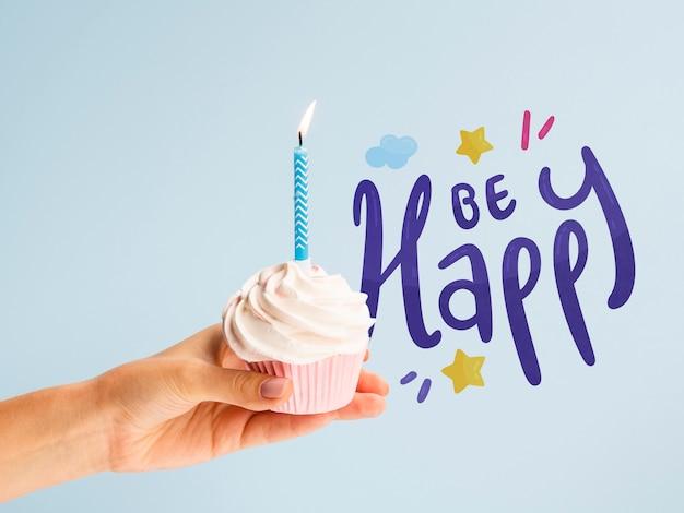 De Délicieux Gâteaux Préparés Pour La Fête D'anniversaire Psd gratuit