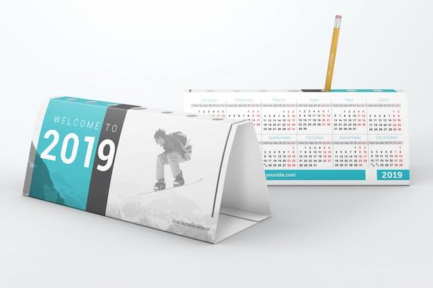 Deux calendriers de bureau avec maquette de porte-stylo PSD Premium