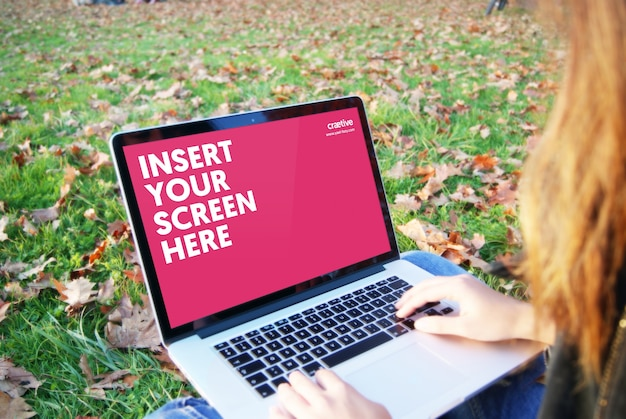 Écran D'ordinateur Portable Maquette Conception Psd gratuit