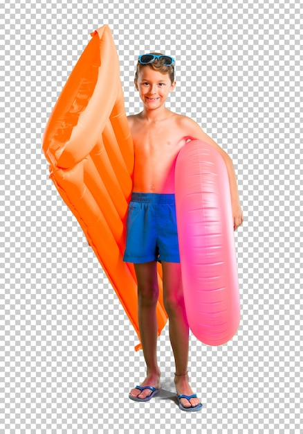 Enfant heureux en vacances d'été PSD Premium