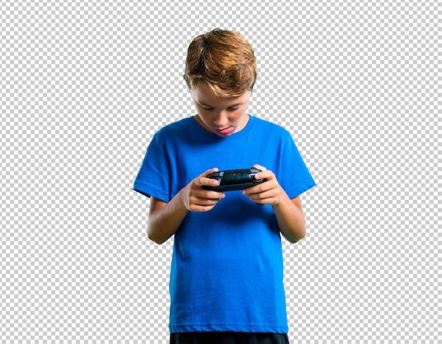 Enfant jouant de la console PSD Premium
