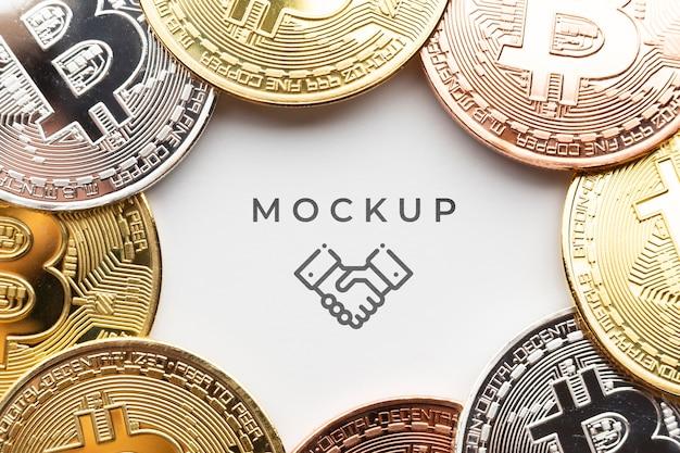 Ensemble De Gros Plans De Bitcoins Avec Maquette Psd gratuit