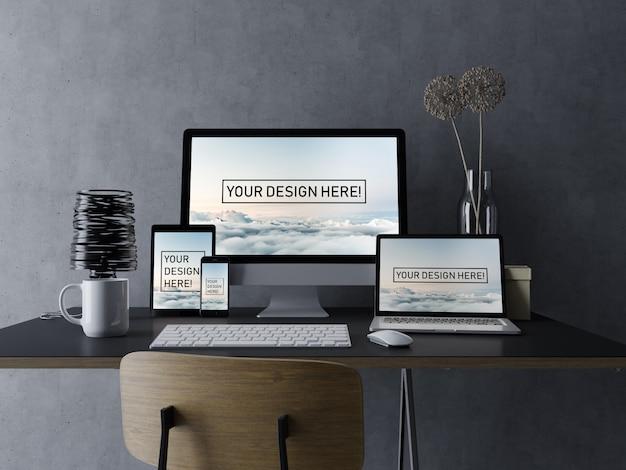 Ensemble de modèles premium, modèle de conception maquette ordinateur, ordinateur portable, tablette et smartphone avec écran modifiable dans un espace de travail élégant et noir PSD Premium
