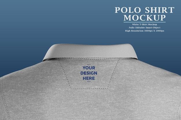 Étiquette Avec Logo Au Dos Du Polo PSD Premium