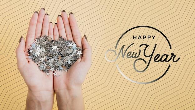 Façade, nouvel an, inscription, maquette, sur, fond jaune Psd gratuit