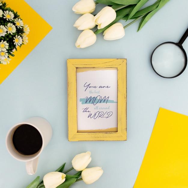 Fleurs cadre de la maquette de la fête des mères Psd gratuit