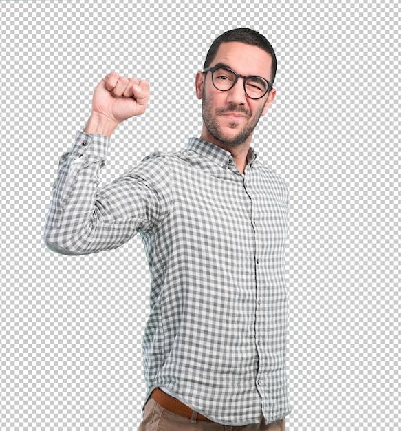 Gagnant Jeune Homme Avec Un Geste De Défi PSD Premium