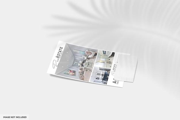 Gros Plan Sur Un Dépliant Ou Une Brochure Pour Une Maquette Immobilière PSD Premium