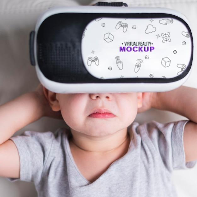 Gros Plan, Jeune Garçon, Essayer, Réalité Virtuelle, à, Maquette Psd gratuit