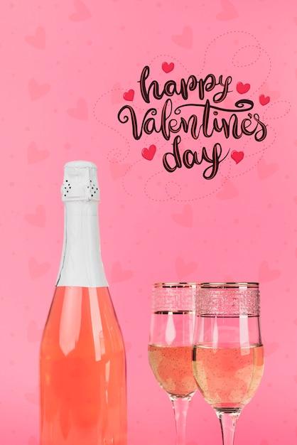 Heureuse Fête De La Saint-valentin Au Champagne Psd gratuit