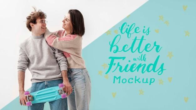 Heureux Amis Adolescents Avec Maquette Psd gratuit
