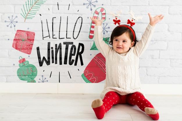Heureux bambin avec bandeau de renne Psd gratuit