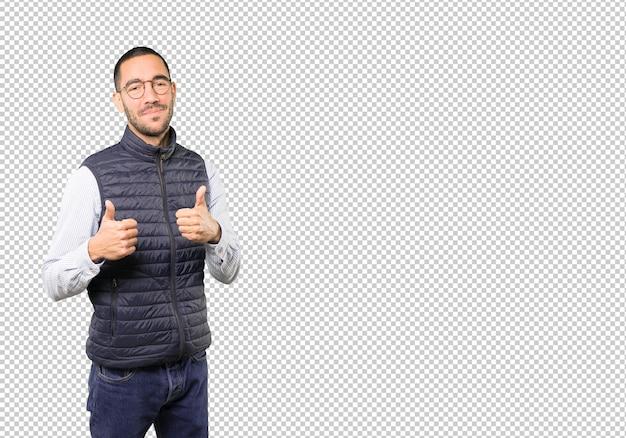 Heureux Jeune Homme Faisant Signe Que Tout Va Bien PSD Premium