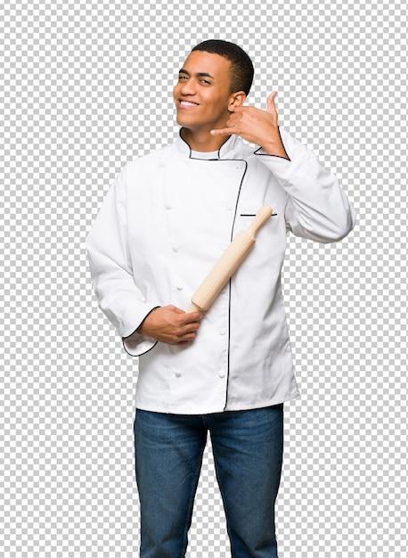 Homme Jeune Chef Américain Afro Faisant Un Geste De Téléphone. Rappelle-moi PSD Premium