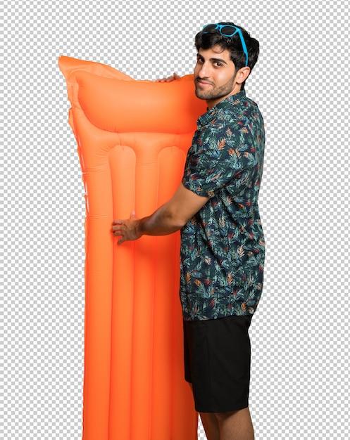 Homme en malles, bras croisés et impatients PSD Premium