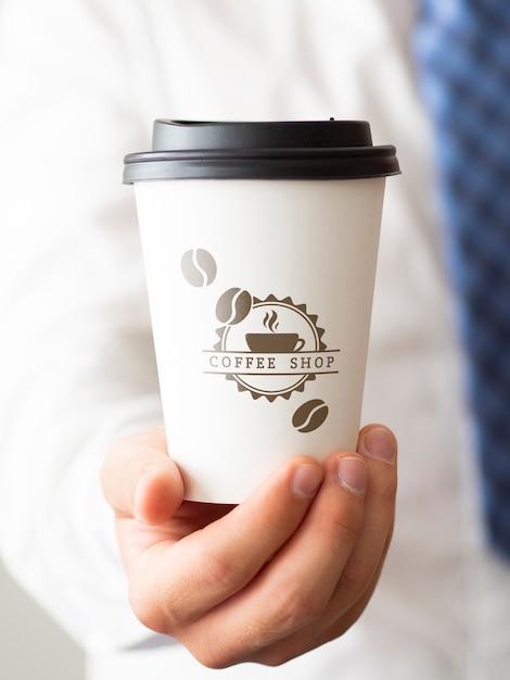 Homme, Tenue, Tasse, Café, Gros Plan Psd gratuit
