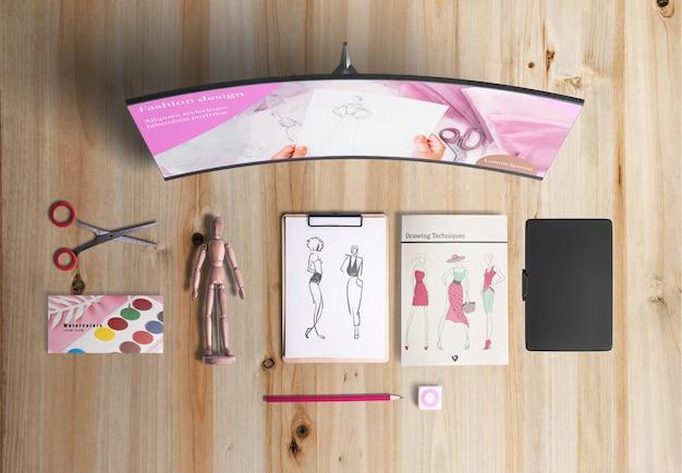 Lay plat de bureau design avec acuarelas Psd gratuit