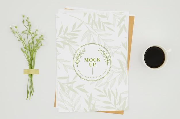 Maquette Botanique De Bouquet De Petites Fleurs Psd gratuit