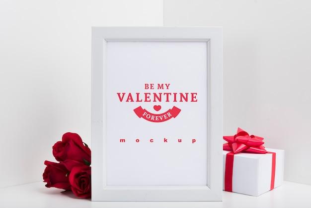 Maquette De Cadre Avec Le Concept De La Saint-valentin Psd gratuit
