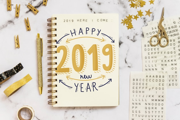 Maquette de cahier avec concept de nouvel an Psd gratuit