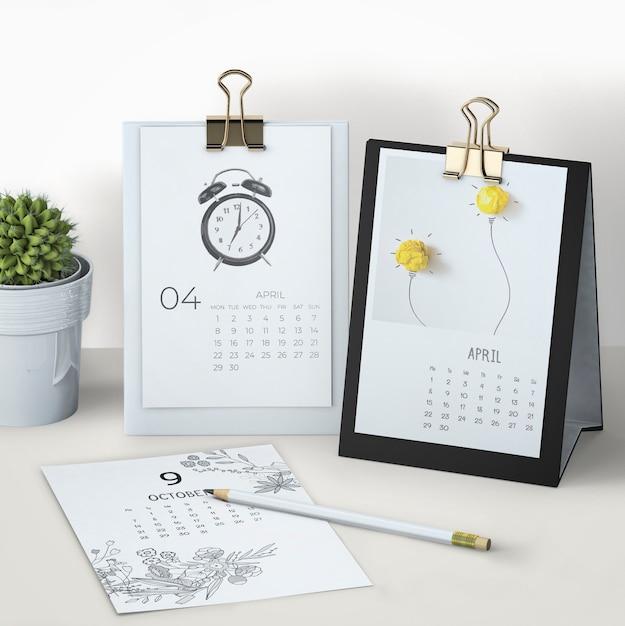 Maquette de calendrier dessiné à la main Psd gratuit