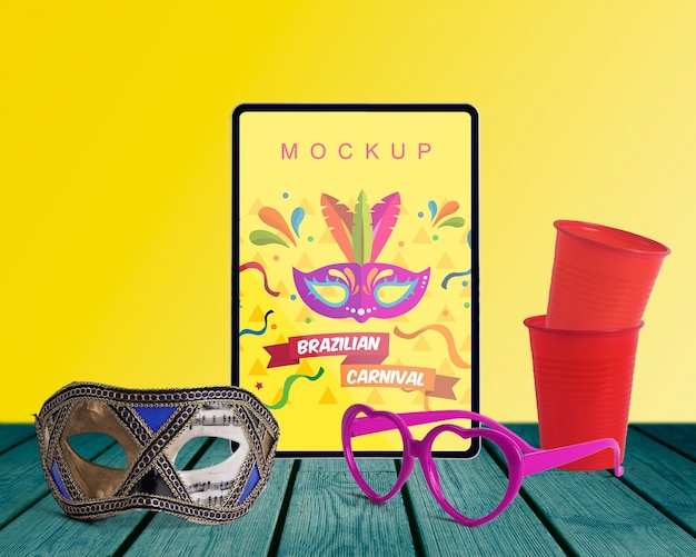 Maquette de carnaval avec des objets modifiables Psd gratuit