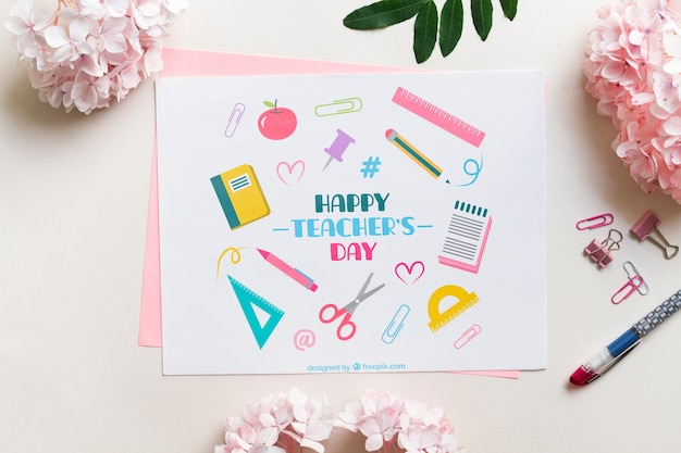 Maquette de la carte du jour du professeur heureux Psd gratuit