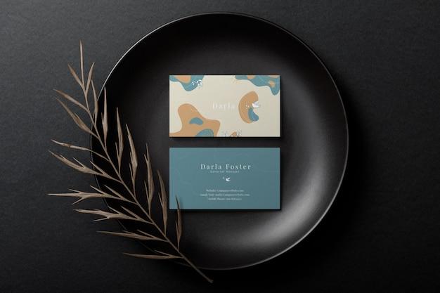 Maquette De Carte De Visite Minimale Sur Plaque Noire PSD Premium