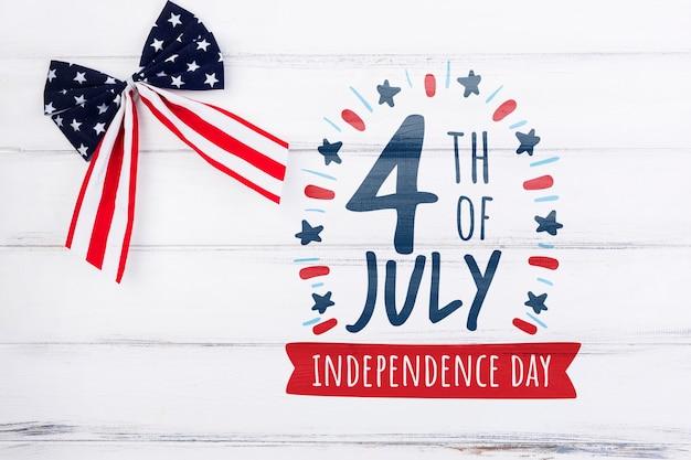 Maquette du jour de l'indépendance plat laïques avec fond Psd gratuit