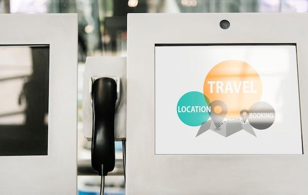 Maquette d'écran du kiosque d'information et du téléphone Psd gratuit