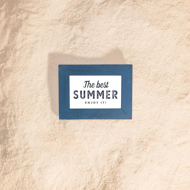 Maquette D'été Avec Des éléments Marins Psd gratuit