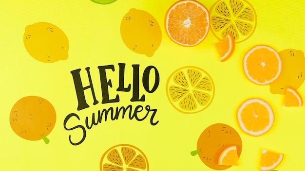 Maquette d'été à plat avec fond et tranches de fruits Psd gratuit