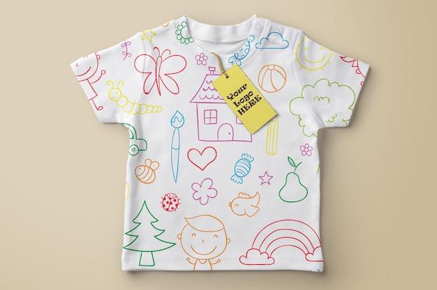 Maquette d'étiquette de prix sur t-shirt PSD Premium