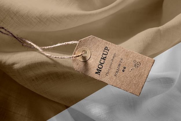 Maquette D'étiquettes De Vêtements Sur Tissu Doux Psd gratuit