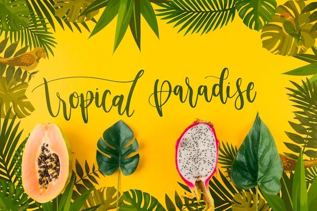 Maquette de fond plat laïque avec feuilles tropicales Psd gratuit