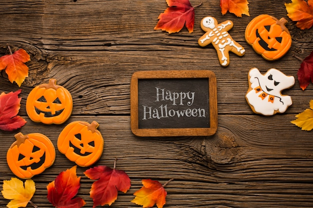 Maquette avec friandises d'halloween Psd gratuit