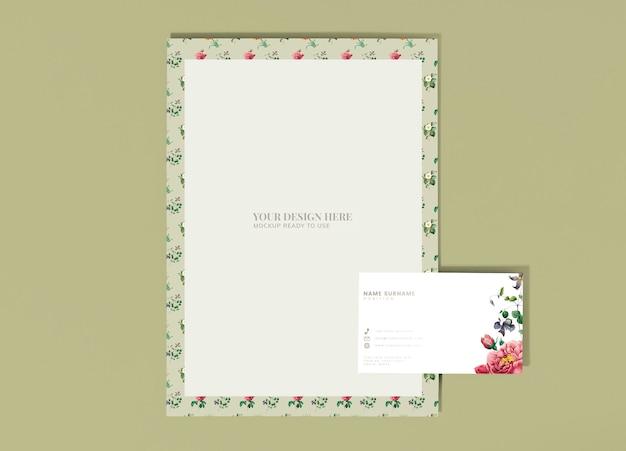 Maquette de lettre florale Psd gratuit