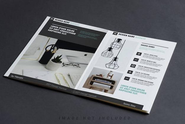 Maquette De Livret De Profil D'entreprise Sur Tableau Noir PSD Premium