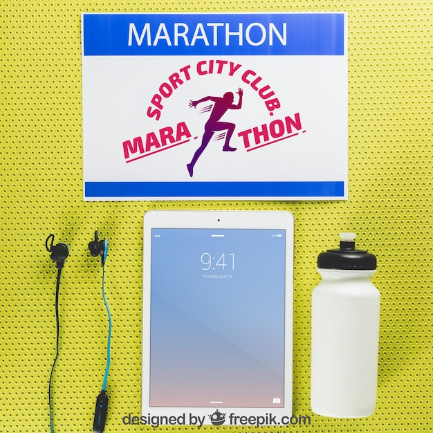 Maquette De Marathon Avec Tablette Psd gratuit