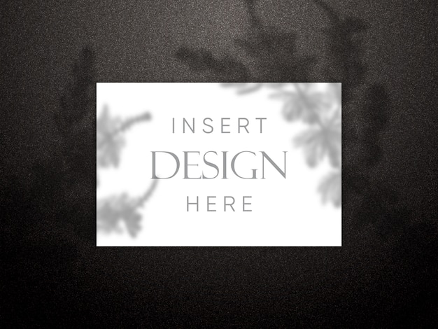 Maquette modifiable avec une carte vierge sur la texture de style paillettes noires avec superposition d'ombre Psd gratuit