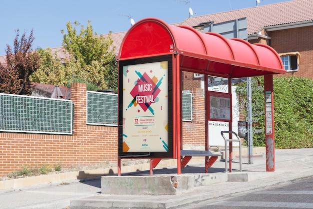 Maquette de panneau d'affichage à l'arrêt de bus Psd gratuit