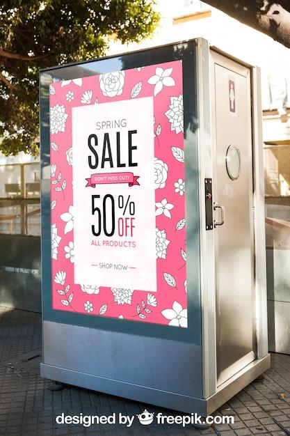 Maquette de panneau d'affichage sur les toilettes Psd gratuit