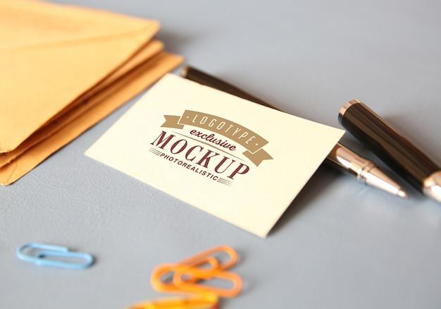 Maquette photoréaliste de logotype dans un style vintage PSD Premium
