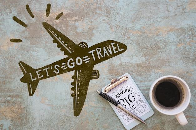 Maquette presse-papiers avec concept de voyage Psd gratuit