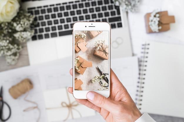 Maquette smartphone avec concept mariage Psd gratuit