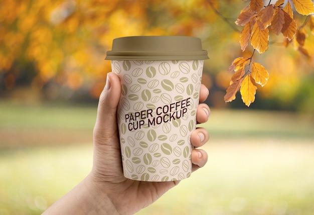 Maquette de tasse à café en papier PSD Premium