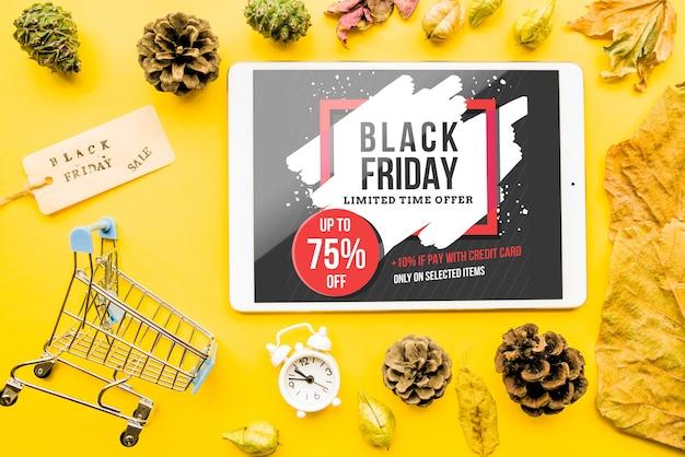 Maquette de vendredi noir avec tablette Psd gratuit